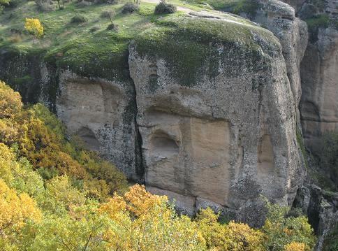 洞穴 249