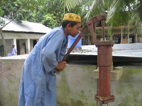 孤児院の井戸 282