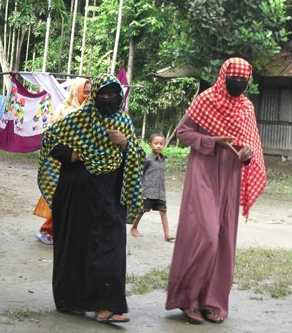 村の女性 132