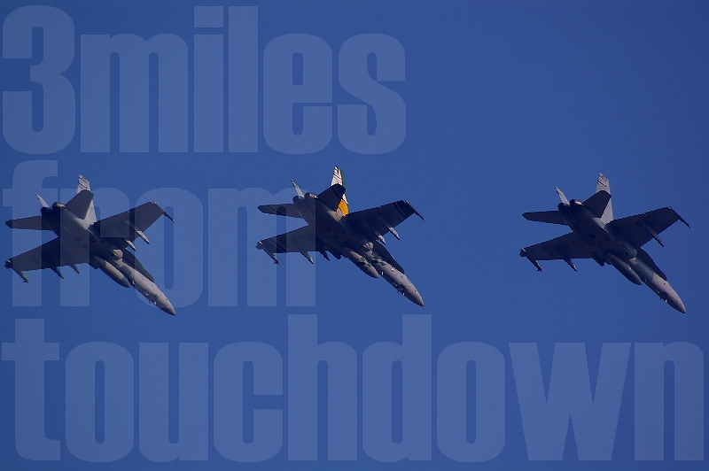 厚木基地 F-18 ホーネット