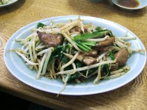 ラーメン龍門・ニラレバ炒め600円