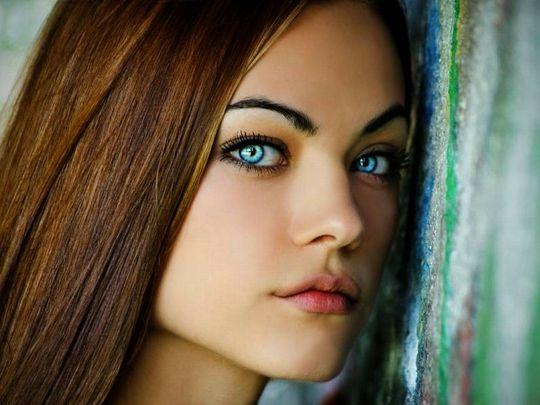 blue_eyed_girls_03.jpg