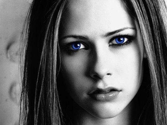 blue_eyed_girls_11.jpg