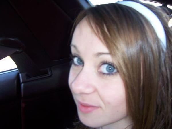 blue_eyed_girls_17.jpg