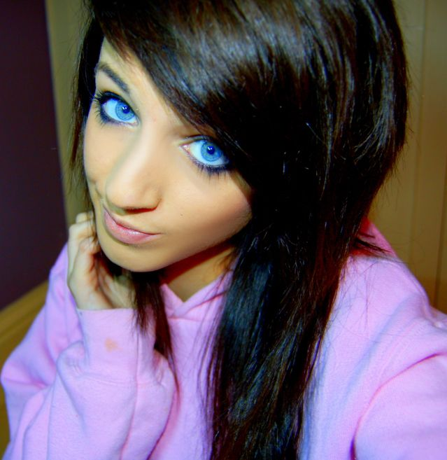blue_eyed_girls_20.jpg