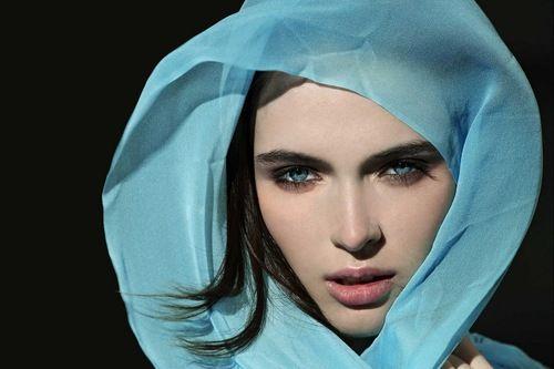 blue_eyed_girls_23.jpg