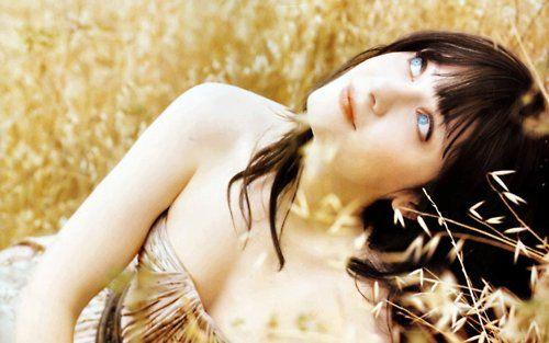 blue_eyed_girls_24.jpg