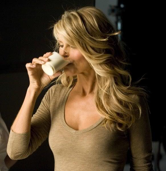 牛乳_女性