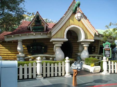 mickey's house 2