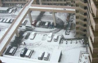 玄関前(共有廊下)からの雪景色
