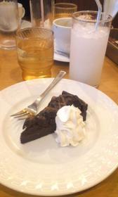 ココス 濃厚チョコレートケーキ