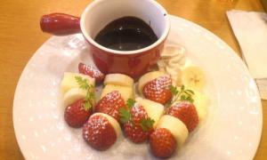 ココス 苺のチョコフォンデュ