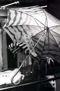 傘も帽子もある