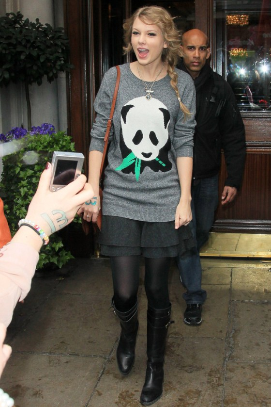 Taylor Swift leaves her Hotel in London