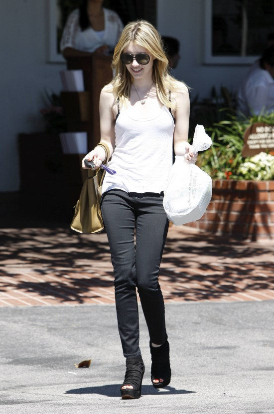 Emma Roberts grabs some lunch in West Hollywood