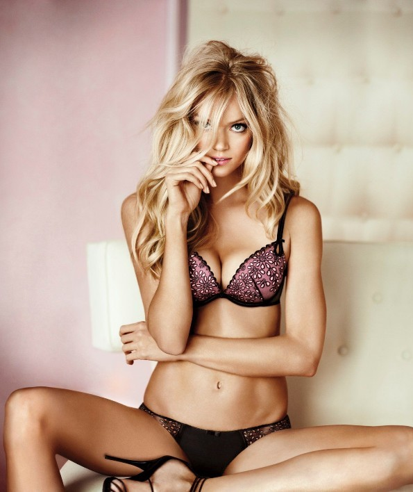 Lindsay Ellingson – Victoria's Secret Lingerie Photoshoot
