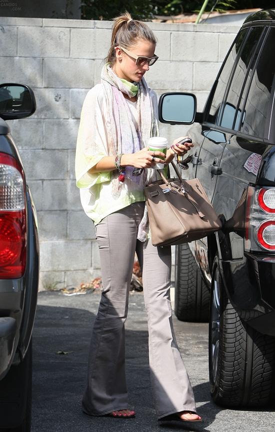 Alessandra Ambrosio heads to a Spa in Hollywood
