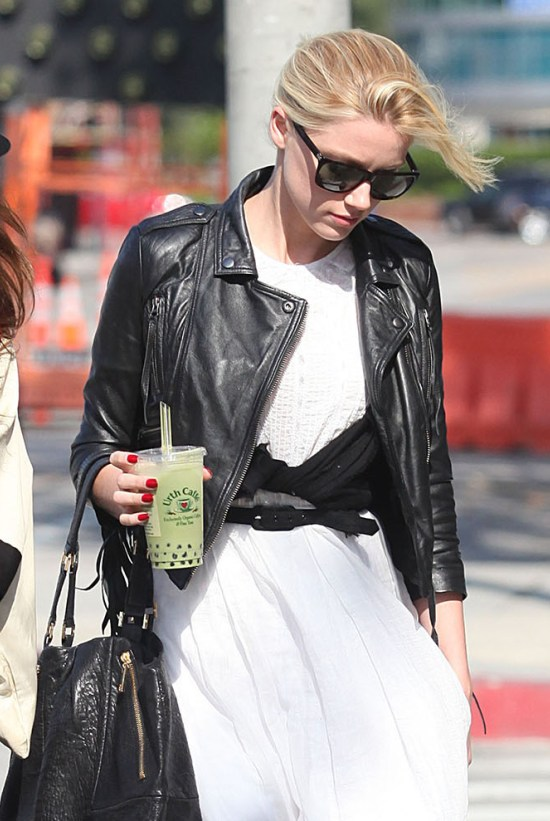 Amber Heard grabs some Coffee in Beverly Hills