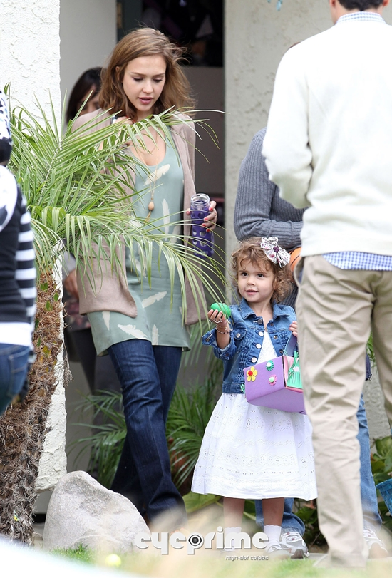 Jessica Alba Celebrates Easter With The Family