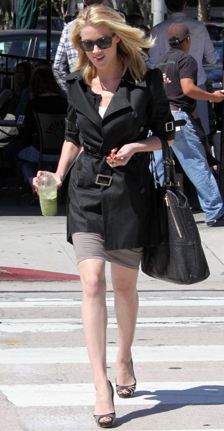 Amber Heard at the Urth Cafe in West Hollywood