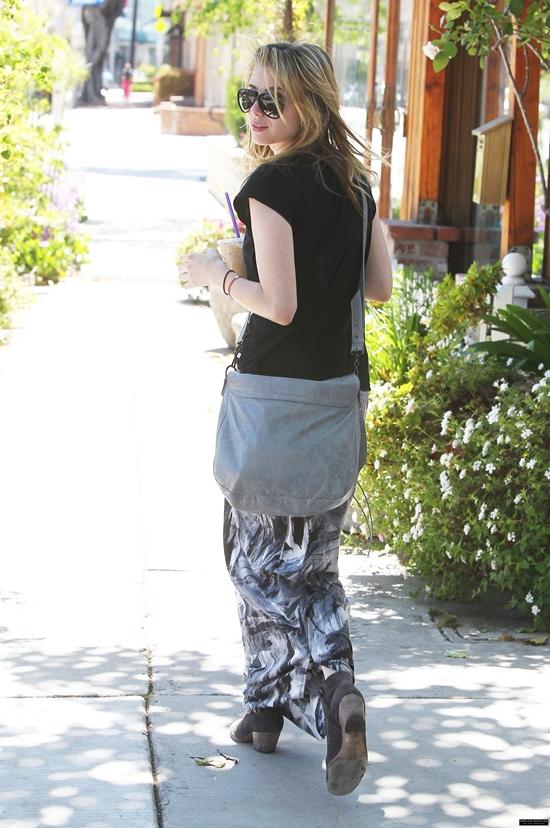Emma Roberts arriving at & leaving Ken Paves Salon