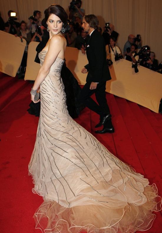 Ashley Greene Arrives at the Metropolitan Museum