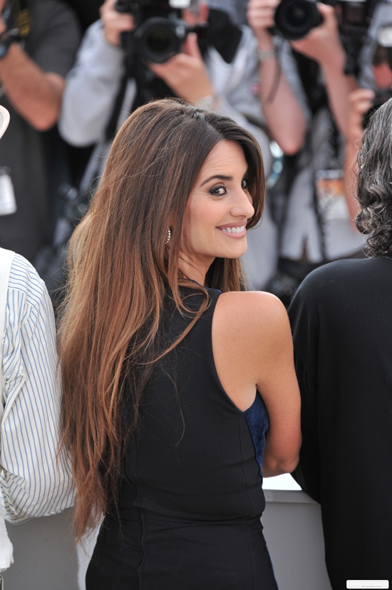 Penelope Cruz appears