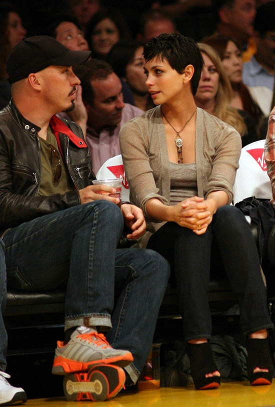 Morena Baccarin watching a L.A Lakers Game in L.A