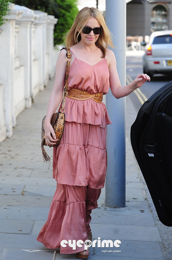 Kylie Minogue Pretty In Pink