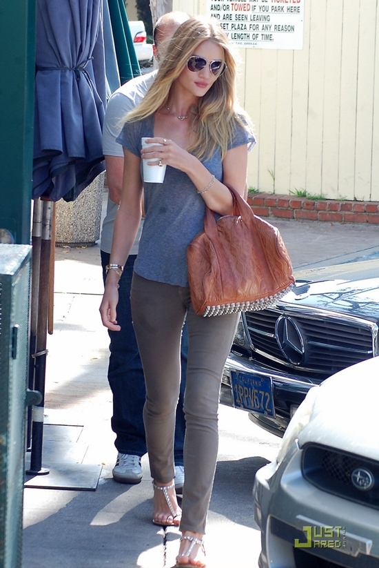 Rosie Huntington-Whiteley at Cafe Med in Sunset Plaza in West Holywood