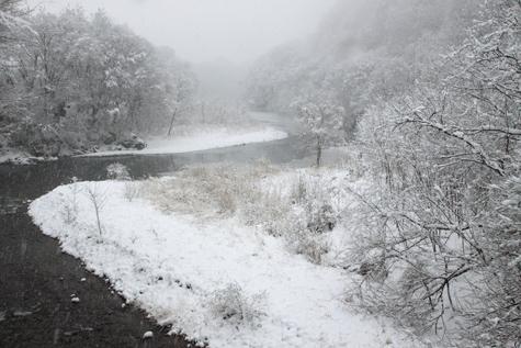 三峰川に降雪