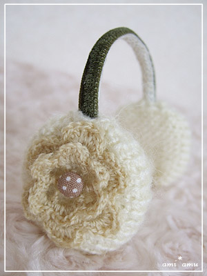 お花のイヤマフ_ミルク。