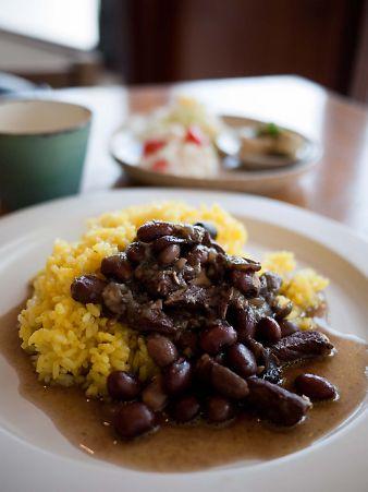 つきさむ 9月の月替わりランチ黒豆と豚肉のスパイス煮