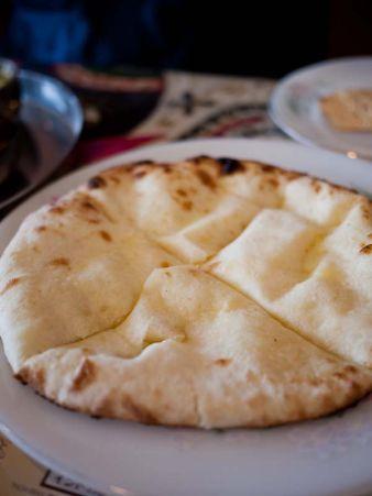 カシミール チーズナン