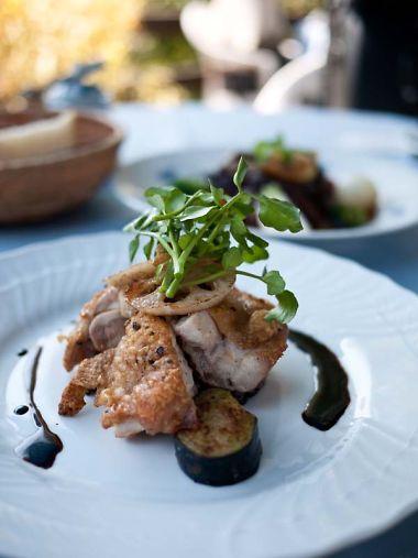 悠山房 地鶏のローストバルサミコソース