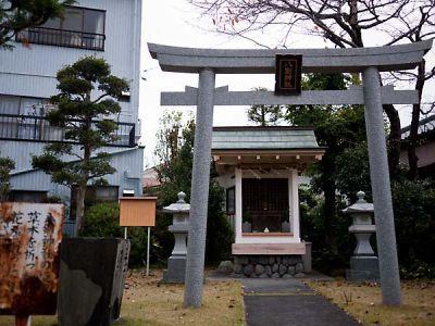 八剣神社 祠