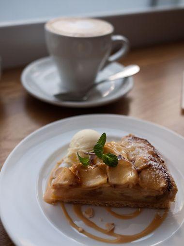 ラ ノワゼット カフェ ビストロ りんごタルト