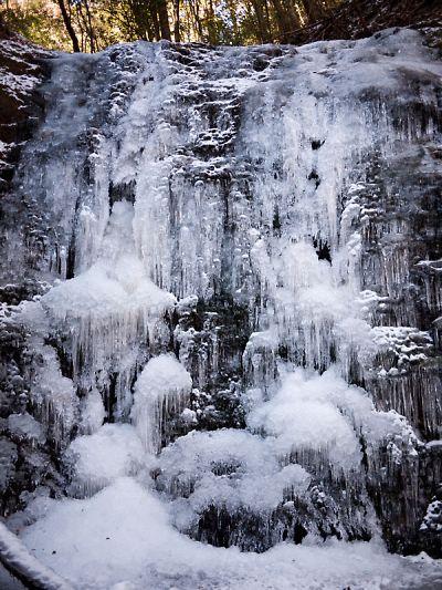 タイラ沢の大滝 2012_04