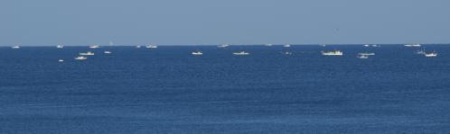 清水の船沖に出る-1