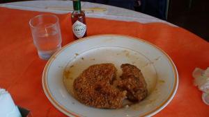 山梨市市民会館 コロッケ定食の食べ残し。大きすぎだし残しすぎ!!