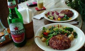 バリ島食事&ビンタンビール