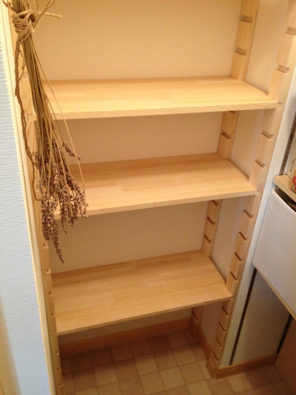 キッチン キッチン diy 棚 : 棚は、2400mmほどのパインの修正 ...