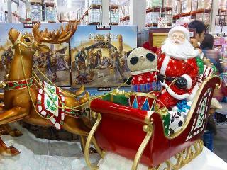 コストコのクリスマスグッズコーナー