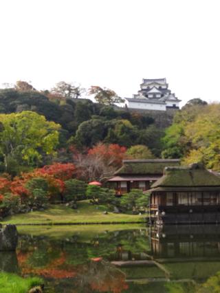 彼方に箱根城