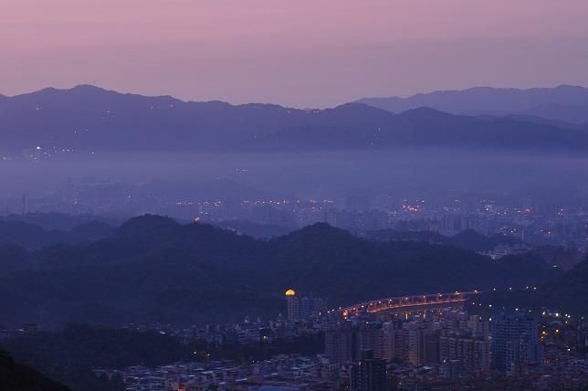 碧山嚴の夜明け(3)