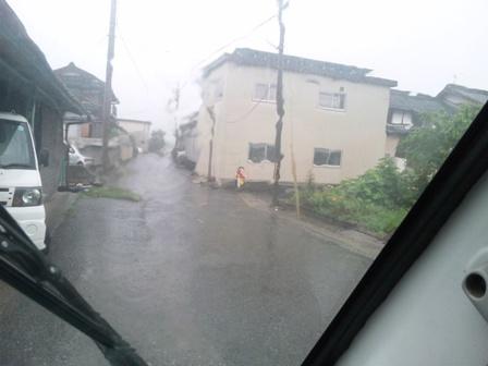 雨でも下田なすちゃんが待ってる!