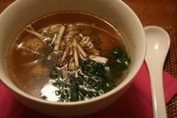 セロリ入り肉団子のホット&サワースープ