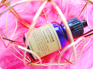 NEAL'S YARD REMEDIES ラベンダー