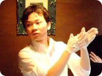 泡立て中の鈴木社長