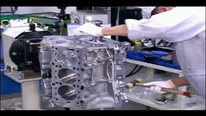 Nissan GT-R Engine Assembly.jpg